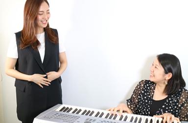 オトライフミュージックは、作曲家事務所のアルファエンタープライズが運営する音楽教室、そのため現役のミュージシャンが講師だったりします!